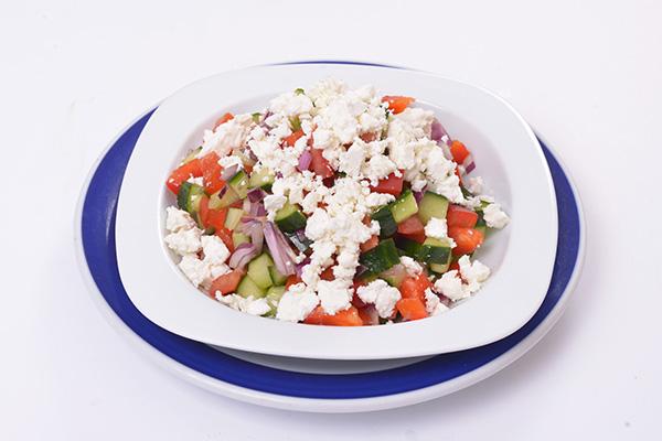 """Bulgarischer """"Schopska"""" Salat"""